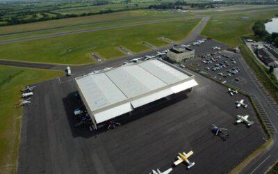 Szkolimy w Dublinie z wzorcowego serwisu bram hangarowych Schweiss&Bifold!