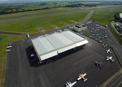 lotnisko weston airport brama hangarowa (1)