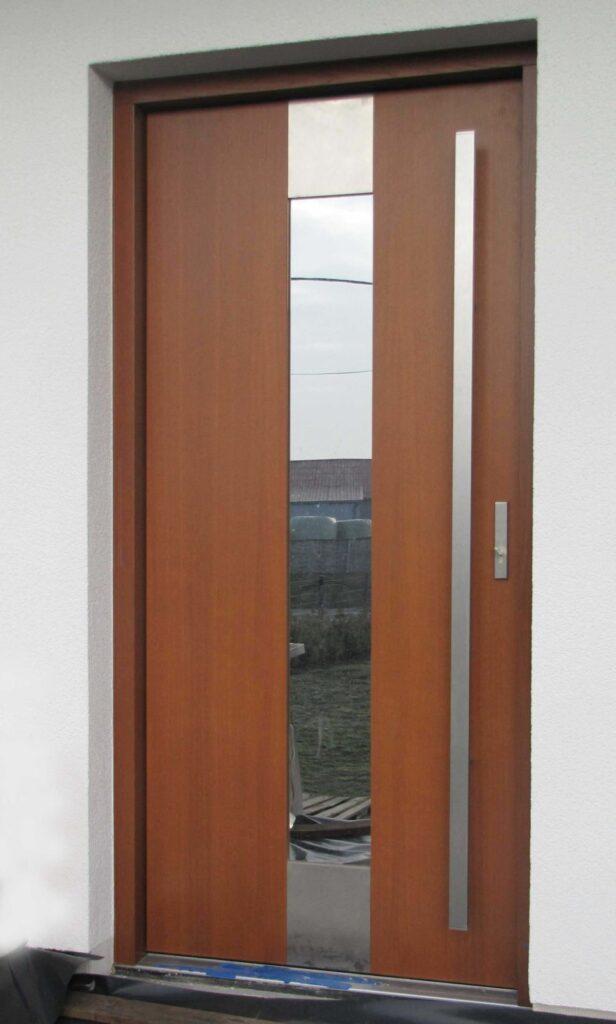 Drzwi zewnętrzne Cal Poznań